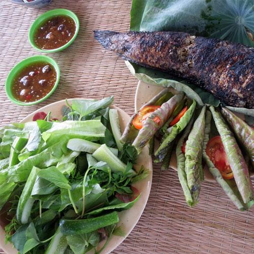 Cá Lóc nướng cuốn lá sen non- món ngon đặc sản Đồng tháp mười